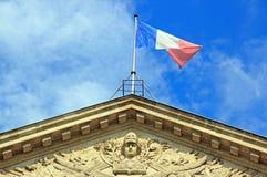 Республика и французский флаг (Париж Франция) Стоковое Изображение