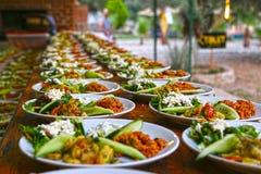 Ресторанное обслуживаниа еды стоковые изображения rf