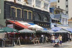 Рестораны посещения туристов на обеденном времени в городке Стэнли в Гонконге, Китае Стоковое Изображение RF