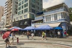 Рестораны посещения туристов на обеденном времени в городке Стэнли в Гонконге, Китае Стоковая Фотография RF