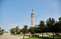 Ресторан башни около бульвара в Батуми на солнечный день Батуми Грузия стоковые изображения