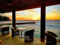 Ресторан захода солнца стоковая фотография