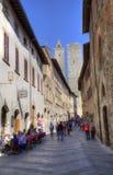 Ресторан и башни San Gimignano, Италии Стоковые Изображения