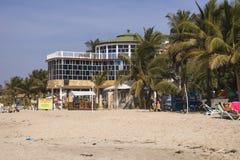 Ресторан на пляже стоковая фотография rf