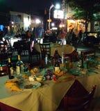 Ресторан ставит снаружи на обсуждение для обедать фреска Al Стоковое Изображение RF
