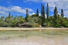 Ресторан хаты на пути к естественному бассейну на штырях des Ile стоковое изображение