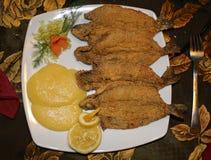 ресторан reshwater fry рыб служил Стоковые Фотографии RF
