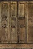 Ретро дверь стиля Дверь тайского стиля винтажная деревянная Стоковые Изображения RF