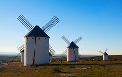 Ретро ветрянки в поле Стоковая Фотография