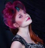 Ретро девушка с крышкой burgundy Стоковые Изображения RF