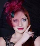 Ретро девушка с крышкой burgundy Стоковая Фотография RF