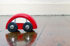 Ретро деревянная игрушка автомобиля Стоковая Фотография