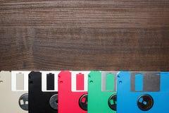Ретро дискет принципиальной схемы технологии на деревянном Стоковое Фото