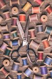 Ретро деревянные шить катышкы Стоковое Изображение RF