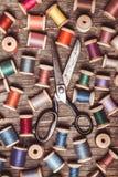 Ретро деревянные шить катышкы Стоковые Фотографии RF