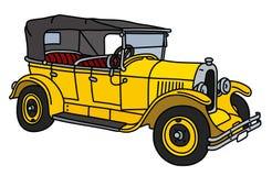 Ретро желтый автомобиль с откидным верхом Стоковая Фотография RF