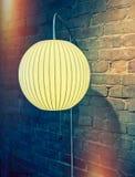 Ретро изображение стиля лампы стены с круглым абажуром стоковые фотографии rf