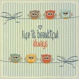 Ретро иллюстрация с счастливыми сычами и фразой Стоковая Фотография