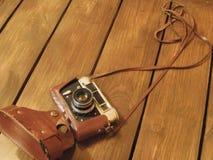 Ретро камера в коричневом цвете стоковая фотография