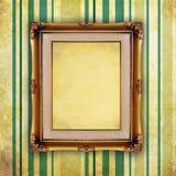 Ретро картинная рамка на старой стене иллюстрация вектора