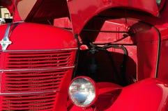 Ретро красная тележка Стоковая Фотография
