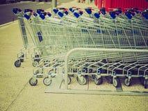Ретро магазинные тележкаи взгляда Стоковые Фото
