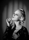 Ретро наблюданное звёздное молодой дамы Стоковое Фото