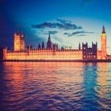 Ретро парламент Великобритании взгляда Стоковая Фотография