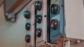 Ретро переключатель мощности приборов дальше, поставка напряжения тока шток Старый советский воинский тумблер Закройте вверх по с видеоматериал