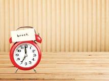 Ретро примечание будильника и бумаги Стоковые Изображения