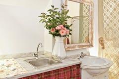 Ретро раковина ванной комнаты Стоковые Изображения RF