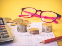 Ретро стиль абстрактных монеток сбережений денег Стоковое Фото