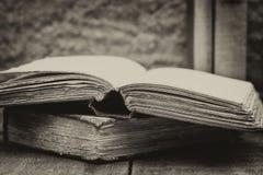 Ретро установка и влияние античных винтажных книг Стоковое Фото