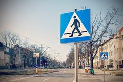 Ретро фильтрованное фото пешеходного перехода знаков Стоковые Фотографии RF