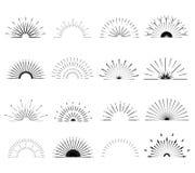 Ретро формы взрыва Солнця Винтажный логотип, ярлыки, значки Стоковые Изображения RF