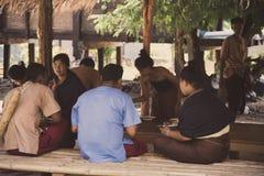 Ретро фото для неопознанных традиционных тайских людей в Таиланде Стоковая Фотография RF