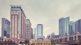 Ретро цвет тонизировал жилой район подъема Чикаго высокий стоковые фотографии rf