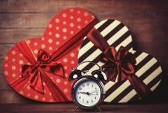 Ретро часы и подарок Стоковое Изображение