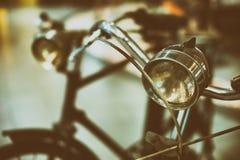 Ретро черный велосипед Старый винтажный велосипед Стоковое фото RF