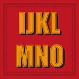 Ретро шрифт алфавита от I - o на красной предпосылке Стоковая Фотография RF