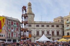 РЕУС, ИСПАНИЯ - 23-ЬЕ АПРЕЛЯ 2017: Представление Castells стоковые изображения