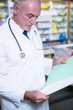 Рецепты чтения аптекаря Стоковые Фото