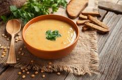 Рецепт натуральных продуктов супа гороха здоровый вегетарианский Стоковое Фото