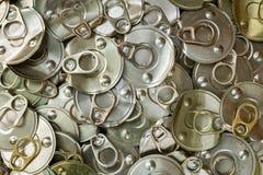 Рециркулируйте старый законсервированный алюминий для рециркулировать, который нужно помочь быть зеленый для земли Стоковое Изображение RF