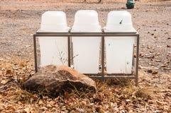 Рециркулировать и мусорные ведра стоковые фото