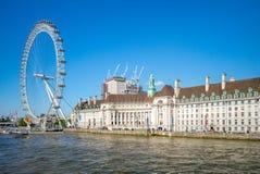 Речной берег Рекы Темза в Лондоне Стоковые Изображения RF