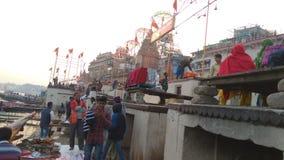 Речной берег Ganga в Варанаси стоковые фото