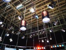 Решетка светов в студии телевидения стоковое изображение