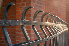 решетка утюга строба загородки большого кирпича декоративная Стоковые Изображения RF