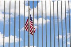Решетки загородки флага США видимые сквозные Стоковое Изображение RF